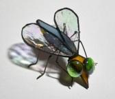 mucha recyclingowa wykonana z resztek szkła witrażowego