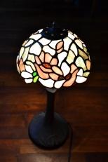 Klosz magnolie - zaprojektowany i wykonany przez kursantkę (Kurs lampy Tiffany)